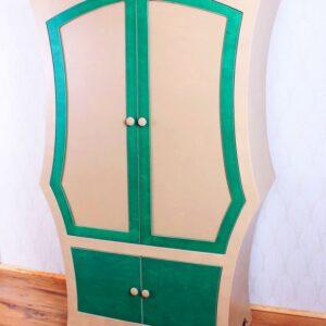Kleiderschrank01